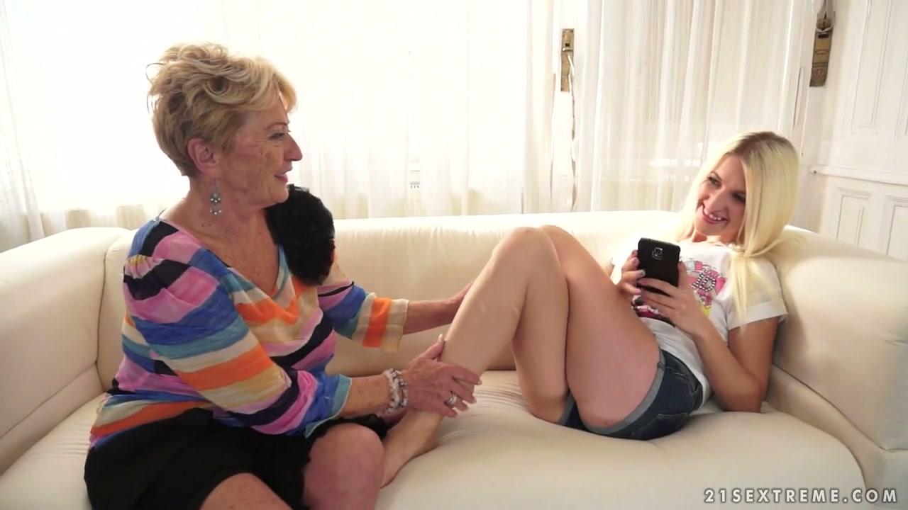 lesbica porno sedersi Carmen Electra film porno
